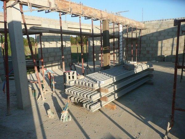 preparation de la dalle beton de l 39 etage. Black Bedroom Furniture Sets. Home Design Ideas